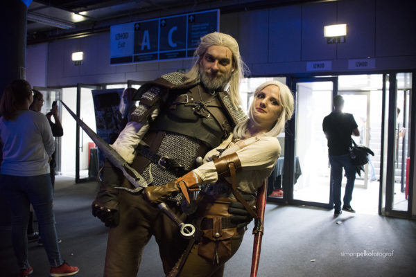 Cosplay lika iz igre Witcher